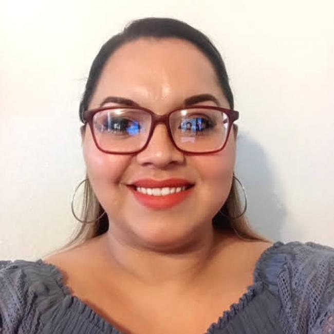 headshot of Narma Alvarez-Rivas