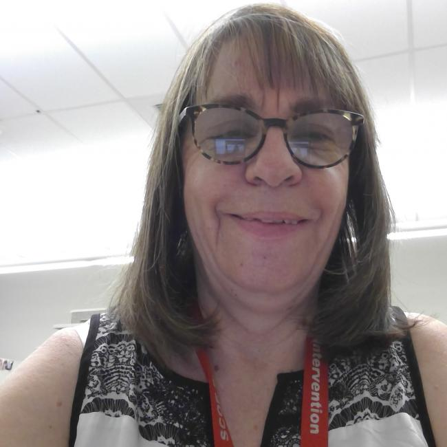 headshot of Julie Coon