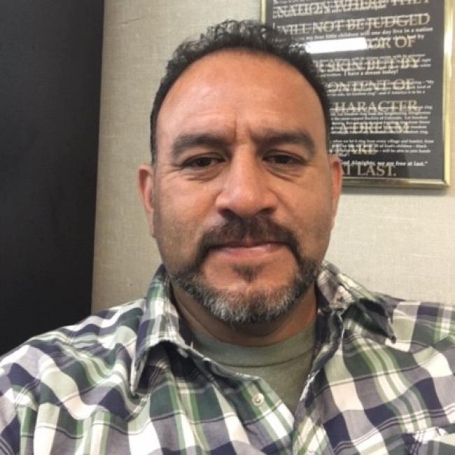 headshot of Gabe Castro